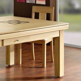 Billard table, gros plan sur le plateau table en bois