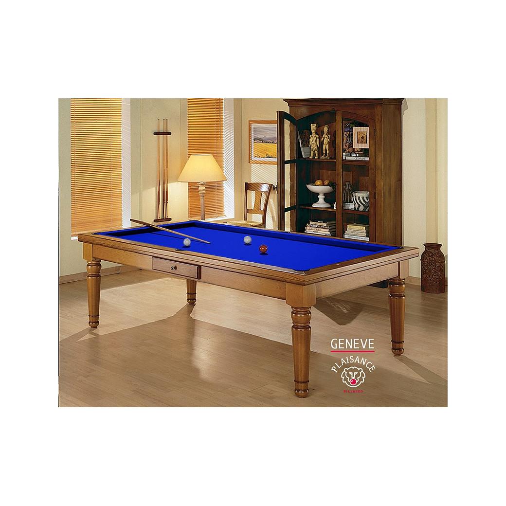 Jouer au billard, sur un billards de france avec ce sublime tapis bleu pool