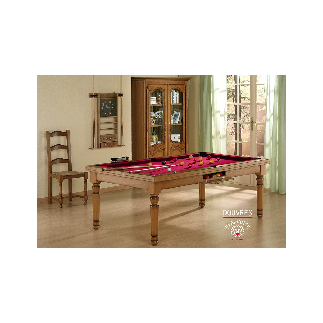 Billard rouge : jeu de billard pool et son tapis rouge