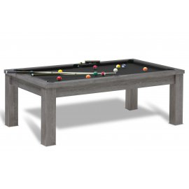 Jouer au billard sur table noire