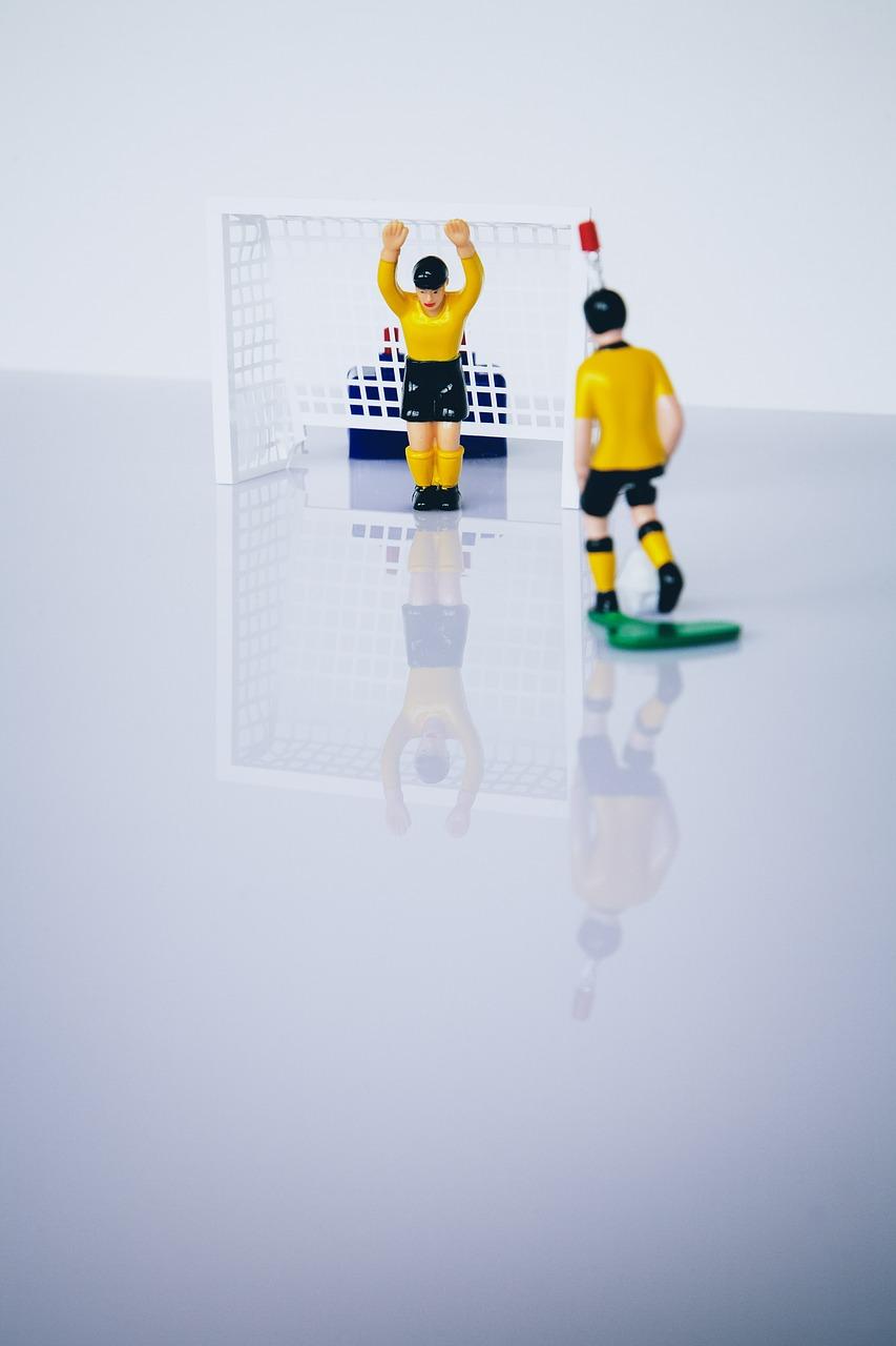Boule baby foot et joueurs de baby foot
